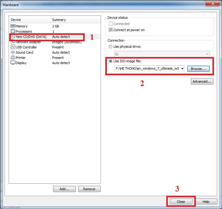 Nhấp vàoNew CD/DVDbên trái và chọn vàoUse ISO image fileở cửa sổ bên phải để chỉ tới nơi lưu trữ tập tin cài đặt (định dạng ISO) của phiên bản OS cần sử dụng